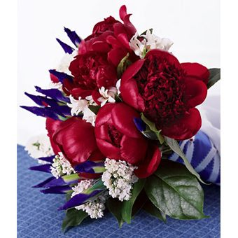 Holiday-Themed Wedding Bouquet: Fourth of July