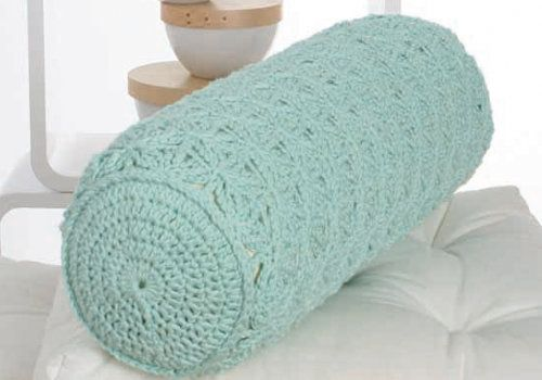 http://www.makeitcoats.com/en-gb/discover/crochet/patterns-designs/neck-support-cushion
