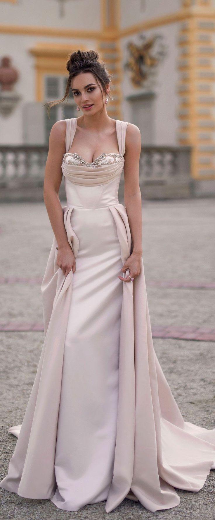 Sleeveless sweetheart neckline column dress Blammo Biamo 2018