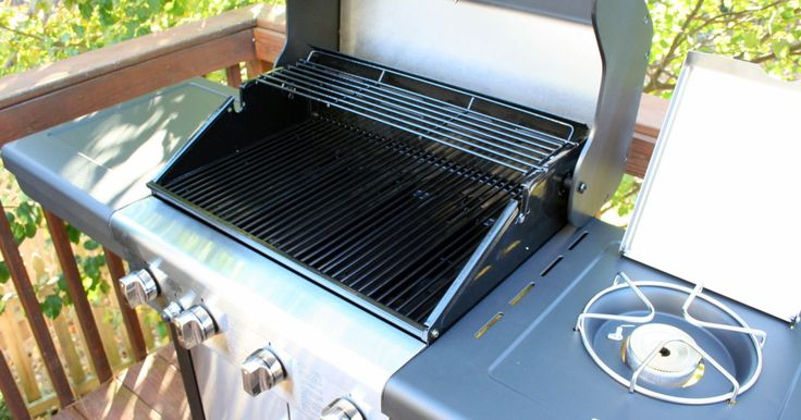 Grilling season is here, which means it's time to break out the tongs and refill the propane tank. More than likely, it's also time you give your grill a good scrub. Dirty grills are no good for obvi...