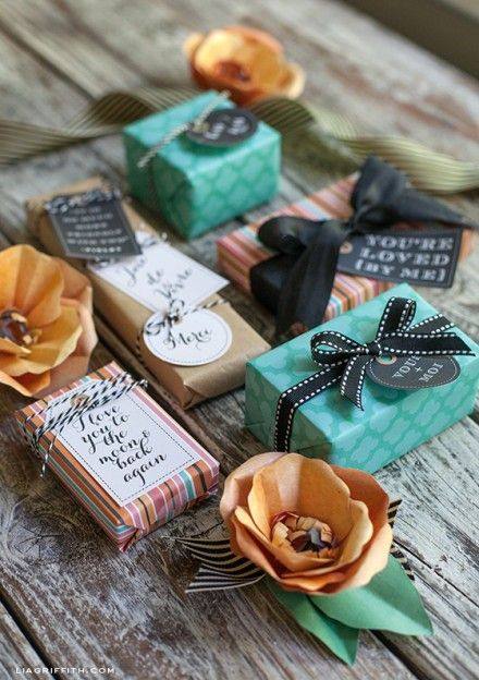 Freebie | French Inspired Gift Wrap  Gift Tags