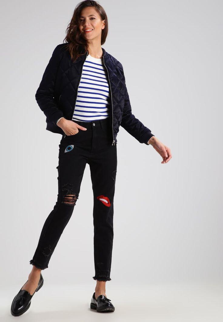 ¡Consigue este tipo de jersey de punto de G-star ahora! Haz clic para ver los detalles. Envíos gratis a toda España. GStar IRIA STRIPE R KNIT L/S Jersey de punto offwhite / blue: GStar IRIA STRIPE R KNIT L/S Jersey de punto offwhite / blue Ofertas   | Material exterior: 95% algodón, 5% elastano | Ofertas ¡Haz tu pedido   y disfruta de gastos de enví-o gratuitos! (jersey de punto, pullover, lana, knitted, cotton, knit, knits, stitch, cashmere, knitwear, strickpullover, jersey tejido, jer...