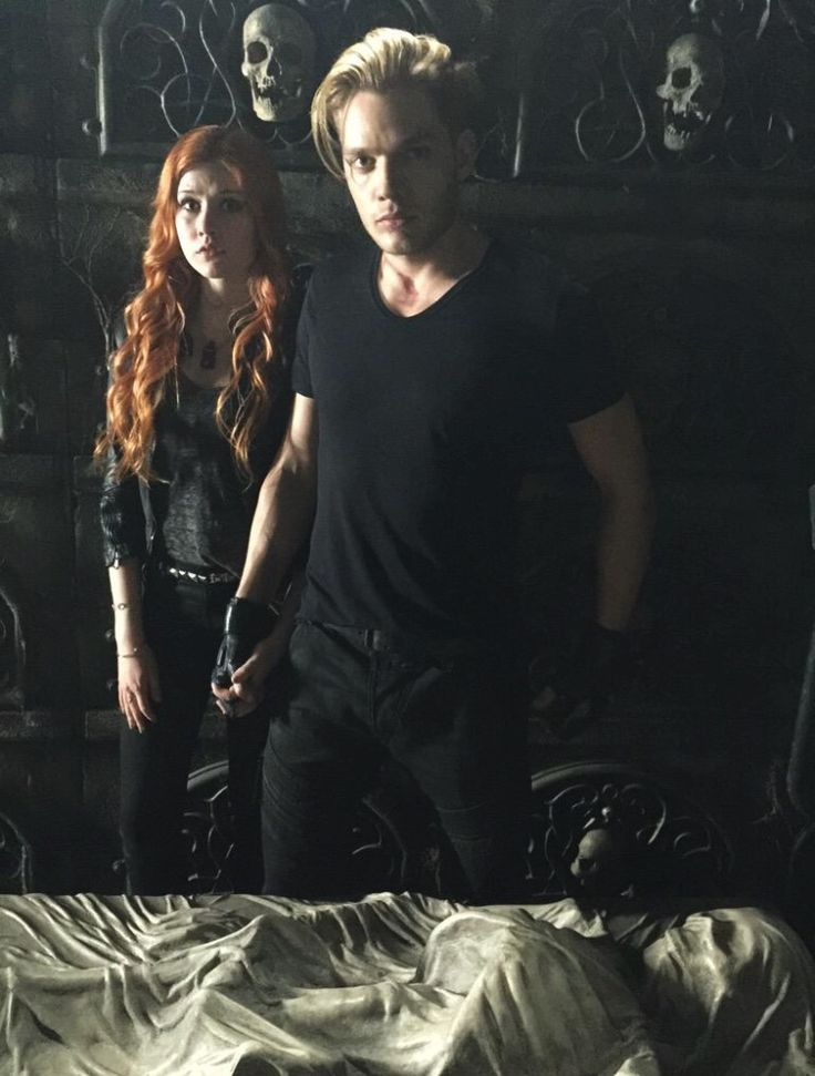 First look of Dominic Sherwood in Shadowhunters TV show.