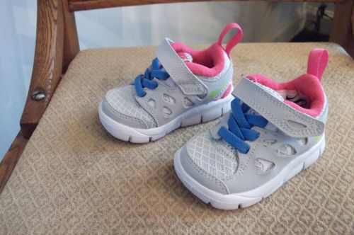 Baby girls nike sneakers shoes size 2 5c