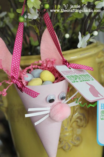 Happy Easter!!!!Crafts Ideas, Treats Bags, Easter Cones, Easter Crafts, Easter Bunnies, Child Crafts, Easter Treats, Bunnies Treats, Easter Ideas
