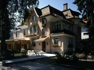 Swiss Inn Hotel & Apartments, Interlaken, Switzerland $2138 Recommended for 5 adults, 6 children Price for 3 nights  1 × Two-Bedroom Apartment	 AUD 888	 Total for 3 nights:  1 × Deluxe Two-Bedroom Bungalow	 AUD 1,250