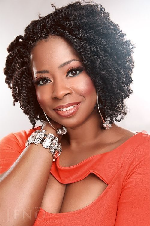Short Kinky Twists