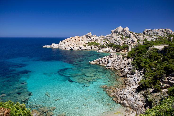 Spiaggia di #CapoTesta, #SantaTeresaDiGallura, #Sardegna. Cerca la tua casa vacanza a Santa Teresa di Gallura cliccando qui http://www.homeaway.it/santa-teresa-di-gallura/s/14783/fa/find.squery?utm_source=facebook&utm_medium=social&utm_term=destinazione-image&utm_content=santa-teresa-di-gallura&utm_campaign=spiagge-sardegna