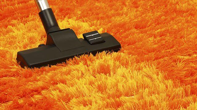 Manchmal ist der Staubsauger beim Teppich nicht die beste Wahl. (Quelle: Thinkstock by Getty-Images)