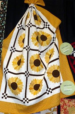 Dresden Sunflower Quilt by Eleanor Burns -- use #AccuQuilt dies to cut out the shapes for this quilt!
