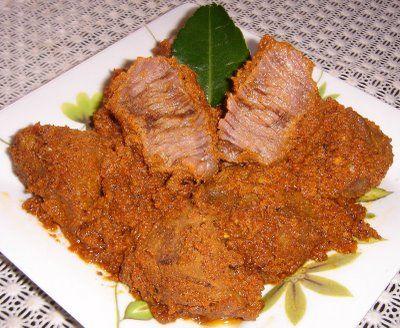 Resep Masakan Indonesia, salah satu yang paling fenomenal adalah rendang padang, hmm,penasaran cara buatnya? cekidot dimari Bun...