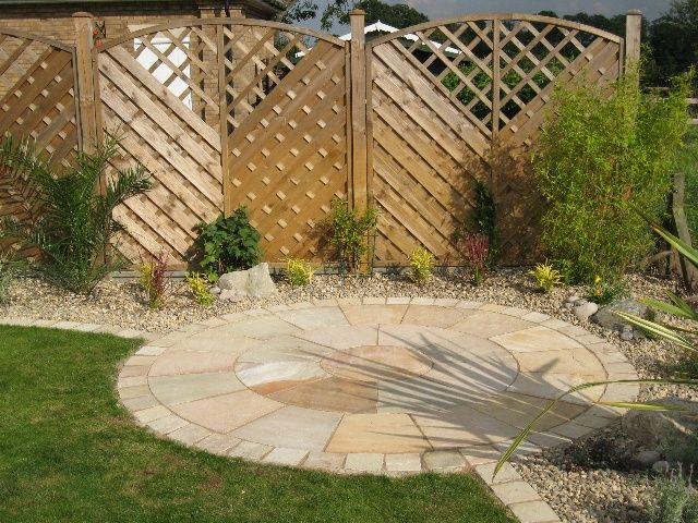 Corner Block Landscaping Ideas : Best images about pavers on circles