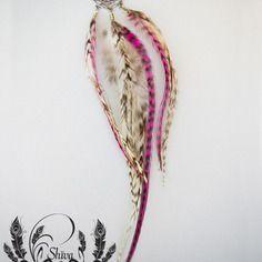 """Boucle unique style boho, """"rêveuse"""", plumes naturelles et teintées par shiva so créa, attrape rêve"""