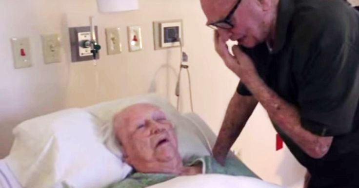 Laura, 93, ligger för döden. Då börjar hennes man sjunga deras sång. Det här är bara så vackert!