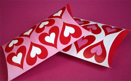 Free printable heart design pillow box or treat box. Perfect for a quick and easy favor or goodie bag. Simply print, score, fold, and fill. #valentine #gift #idea skiptomylou.org