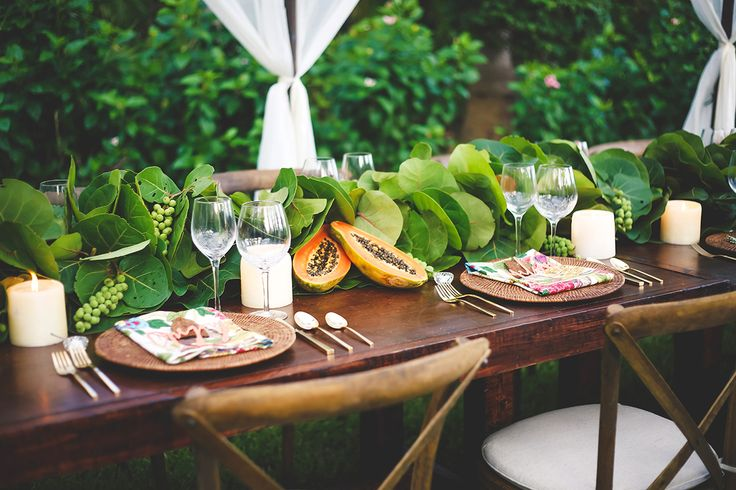 modern tropical tabletop / design by Isn't She Lovely Florals / photo by trkphotography.com