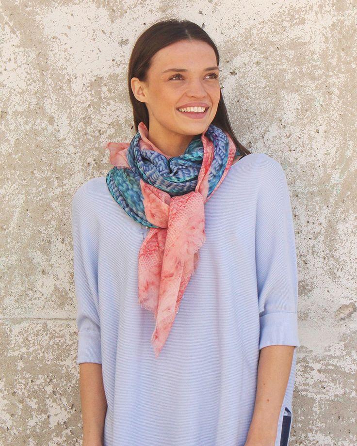 French Fashion Style How to Wear a Scarf like a Parisian - Silk Chiffon Scarf Cindy Goble Design @Goble - Canadian design and French scarf know how for easy fashion. #FrenchFashion #ScarfStyle #SilkScarves
