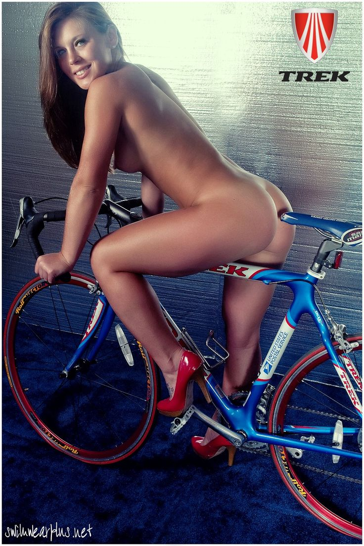 Heels only reason its here is cuz fit bike and extremly fit bird look at the pow…, Sexy babe