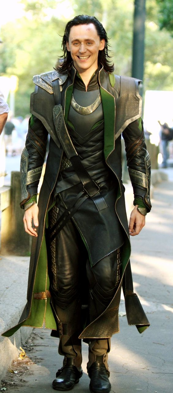 Tom Hiddleston on the set of The Avengers (2011) << I will never stop pinning photos of him as Loki.