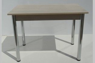Masa cu picioare cromate si cadru, blat pal melaminat, dimensiune blat 60×100 cm, inaltime 72 cm. Masa demontabila. Culoare blat:  alb