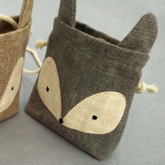 Back in stock~ Toddler mini Burlap Rabbit and Fox Shoulder Bag We just got the rabbit in available in White and gray :) 2 colors available : Brown and Gray For Fox, White and Gray For Rabbit (Fox are all sold out) Size : 5.5 x 5.9 (toddler size) Its a little bigger than hand. Please