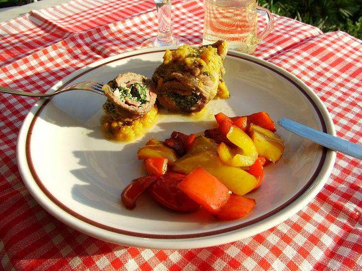 Una sera d'estate e una bella idea per un secondo piatto sfizioso e saporito, ecco la combinazione perfetta per questi involtini di vitello saporiti!
