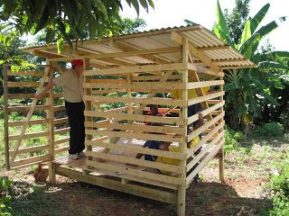 This is the first goat pen that the branch built ... much easier than a chicken coop - the goats will be coming later this week.  Elder ...