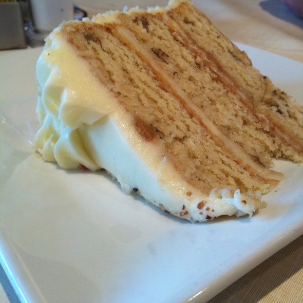 Ruby Tuesday Caramel Crunch Cake Recipe