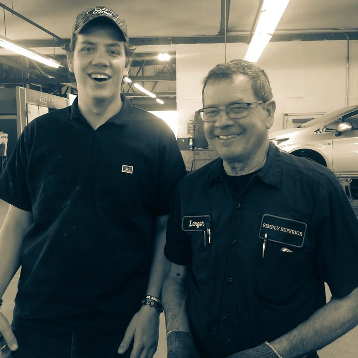 It's a Thursday full of smiles at our shop today (and every day!)   #work #team #cars #thursday #happy