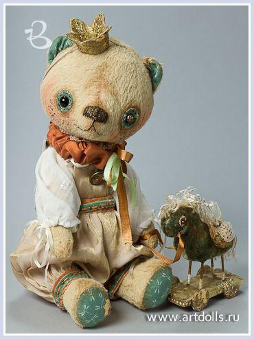 Авторский мишка Светлана и Мария Заброцкие: Bears Oh, Teddy Bears, Artist Www Artdolls Ru, Bears Old, Art Dolls, Art Bears, Bear Artists, Charming Teddies