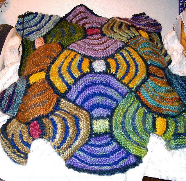 Modular Knitting Patterns Free : 17 Best images about Modular knitting / domino knitting on Pinterest Yarns,...