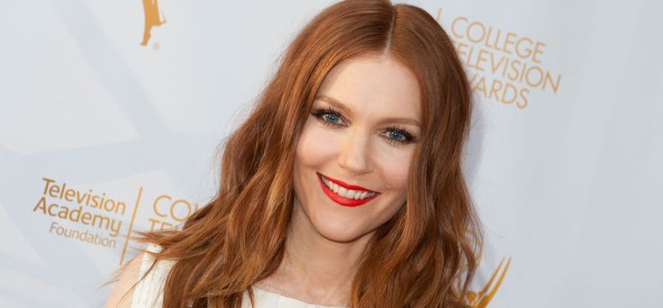 I capelli rossi delle star: Darby Stanchfield. #redhair #gingerhair #redlipstick #haircolor