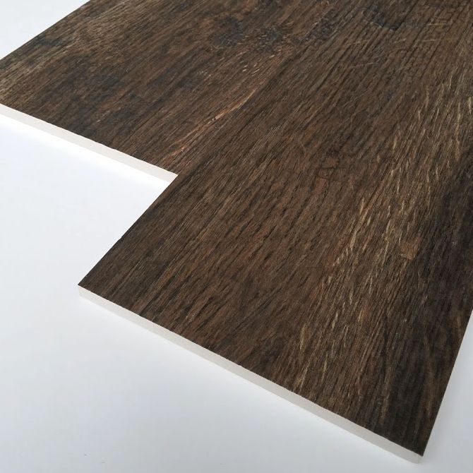 Detta klinker ser ut som trä och har en härlig struktur av naturligt trägolv. Ett underhållsalternativ till parkettgolv, laminat eller trägolv. Fri frakt hos Stonefactory.se