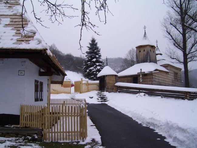 Slovakia, Krajné Čierno - Wooden church