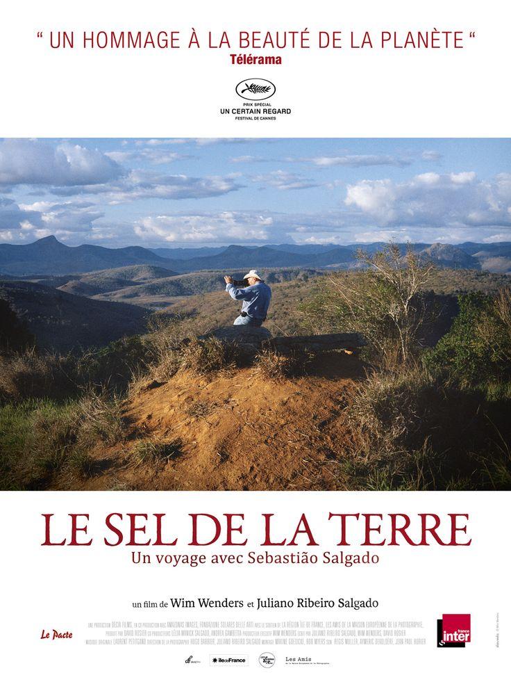 Le Sel de la terre est un film de Wim Wenders avec . Synopsis : Depuis quarante ans, le photographe Sebastião Salgado parcourt les continents sur les traces d'une humanité en pleine mutation. Alors