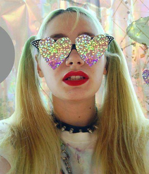 #glitter #heartshapedsunglasses