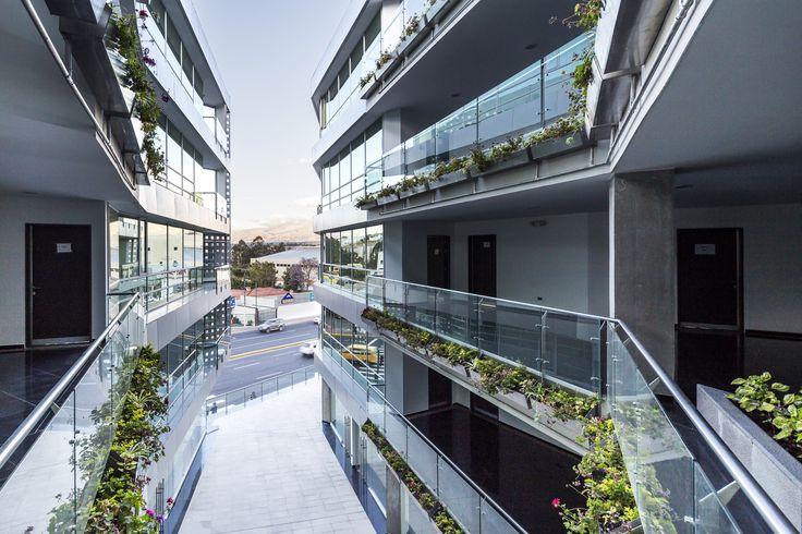 Galería de Edificio Halcón / TEC - Taller EC - 1