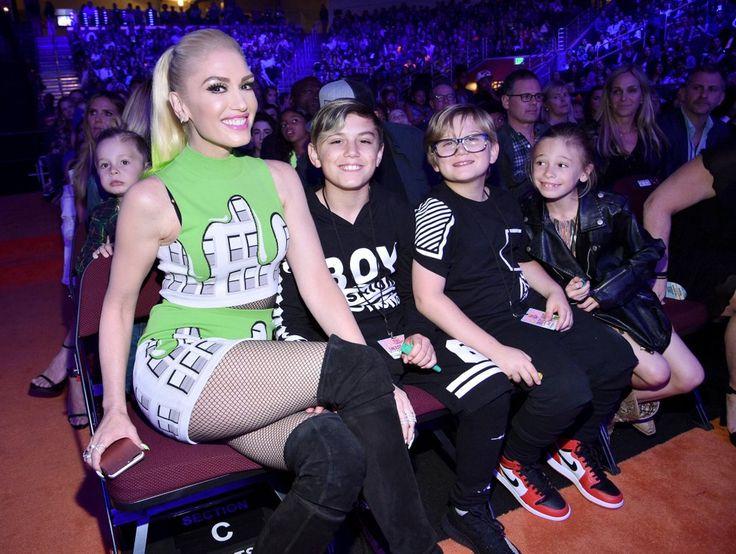Gwen Stefani and Sons at 2017 Kids' Choice Awards   POPSUGAR Celebrity