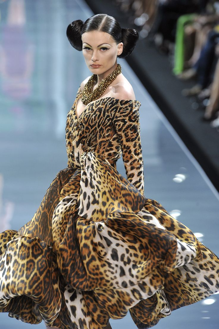 Fashion Show: Christian Dior Haute Couture Fall 2008 | Дизайнер - Джон Гальяно | John Galliano