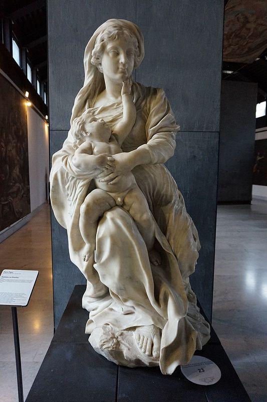Pierre Puget, Vierge à l'Enfant   XVIIe siècle,  Marbre,  Provenance : Pallazo Tobia Pallavicino, Strada Nuova,  Musée San'Agostino, Gênes