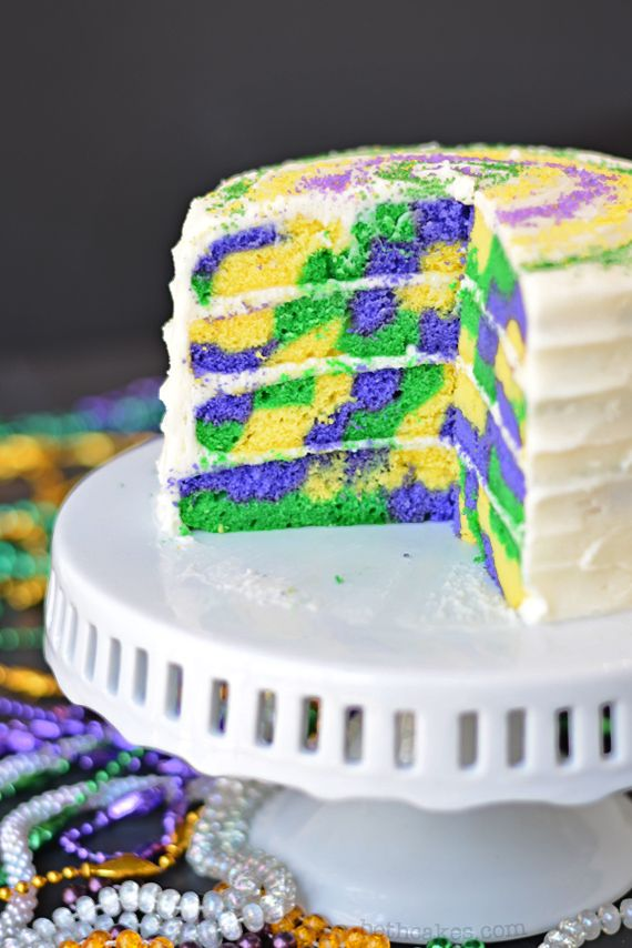 Mardi Gras Cake - bethcakes.com I could use my Grandson's favorite colors and make a cake like that!!