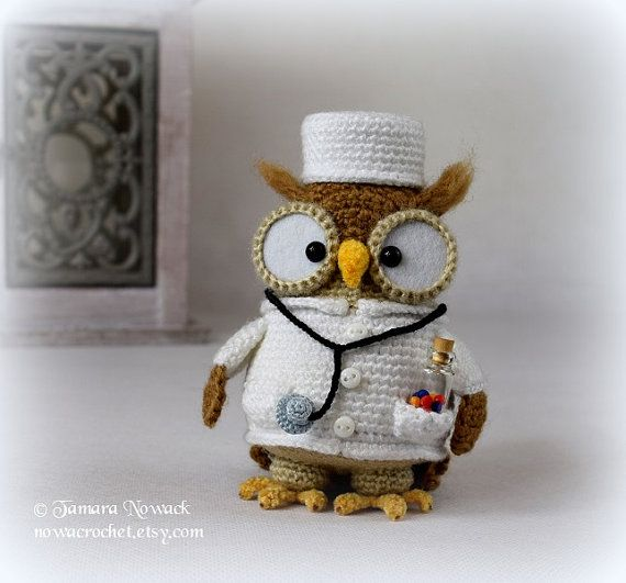 Doctorette the owl  amigurumi PDF crochet pattern by Tamara Nowack