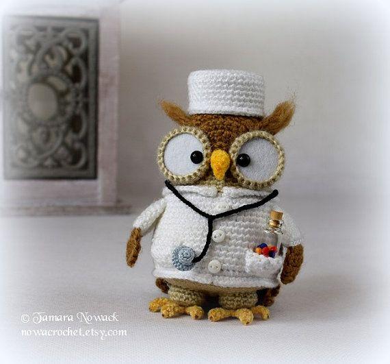 Doctorette the owl  amigurumi PDF crochet pattern by Tamara Nowack