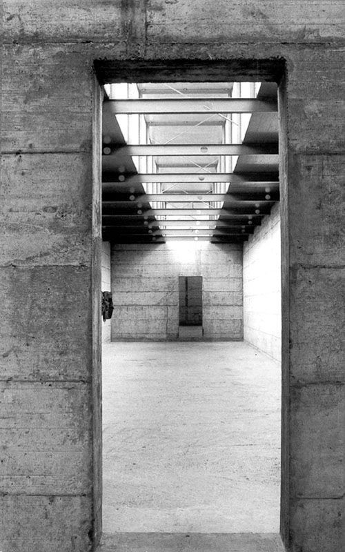 Interior. Photo by Margherita Spiluttini.  Proportions, Volumes, Grammar: Peter Märkli's La Congiunta (1992)