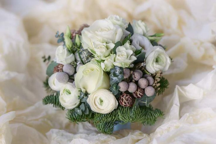 Can you not decide on your flower designs? Get inspired from our blog. We are continouosly updating it with new content to match trends.