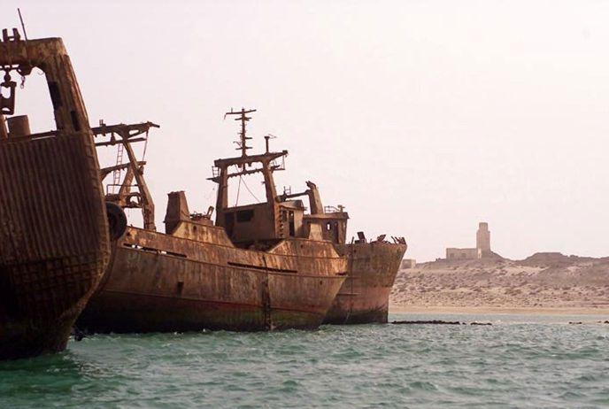 Nouadhiboui hajótemető / Nouadhibou #ship cemetery Forrás/source: amusingplanet.com