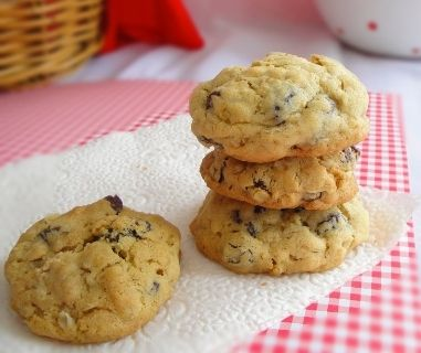 The BEST Oatmeal Raisin Cookies {by Lisa Marietta Gianotti of @Italian Dessert Recipes}