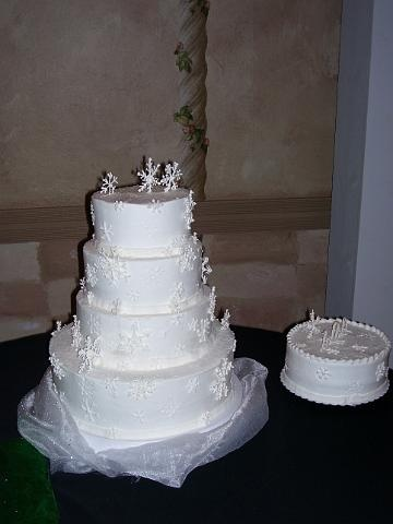 Royal Icing Snow Flake Wedding Cake By Pm Frosted Www Pmcakes In