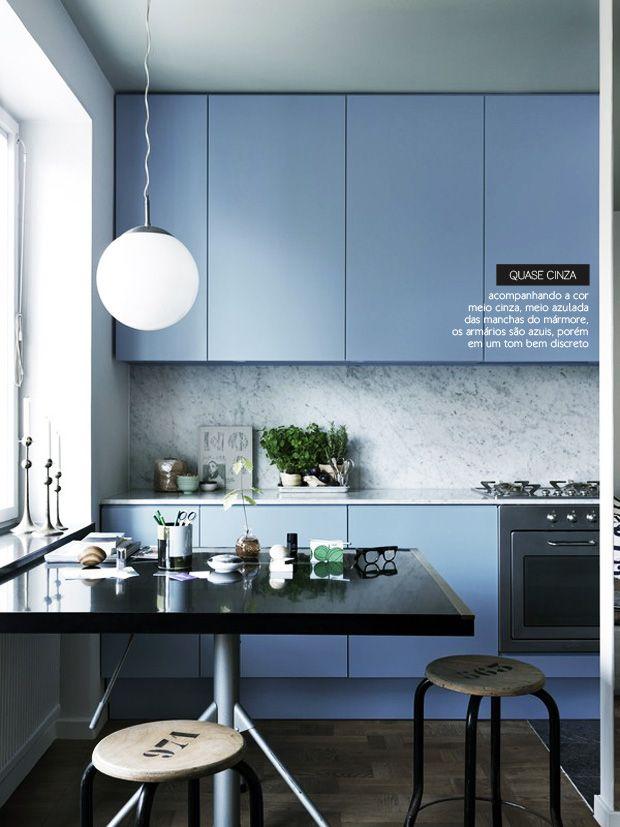 Cozinha azul! Sonho....  http://colunas.revistaglamour.globo.com/referans/pagina/4/