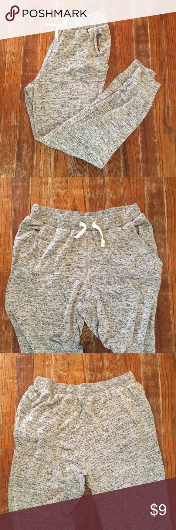 H&M Gray Joggers H&M - Size Youth 13/14 (Women's Small) - 73% Viscose 22% Polyester 5% Elastane - Drawstring & Elastic Waistband - 2 Front Pockets - Super Soft H&M Pants Track Pants & Joggers